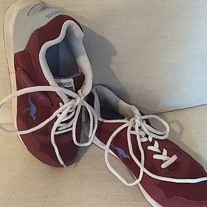 Kangaroo athletic shoes